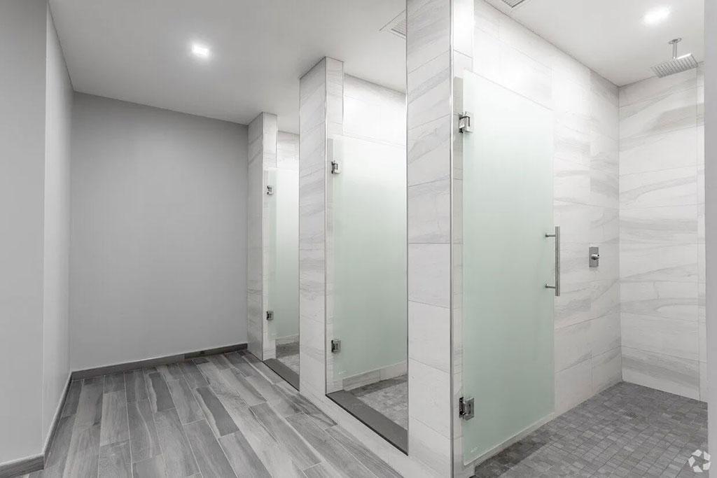 sono-50-gym-shower